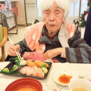赤とんぼ黒髪 12月の日曜営業 お昼はお寿司