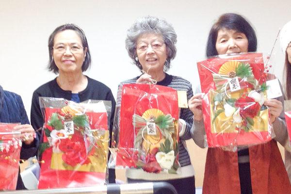 仁誠会クリニック新屋敷のしめ縄アレンジメント作り2